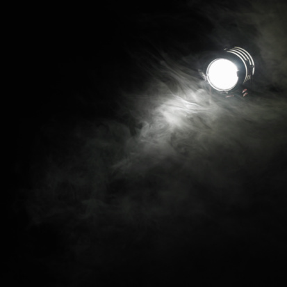 Dry Ice「Smoke beneath spotlight」:スマホ壁紙(17)