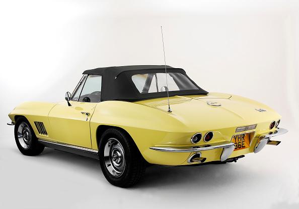 Yellow「1967 Chevrolet Corvette Stingray」:写真・画像(13)[壁紙.com]