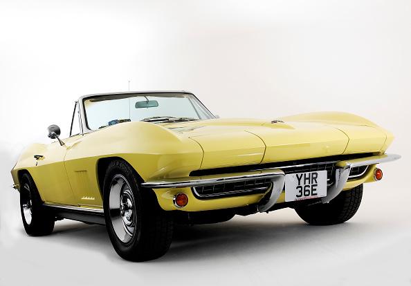 Yellow「1967 Chevrolet Corvette Stingray」:写真・画像(11)[壁紙.com]