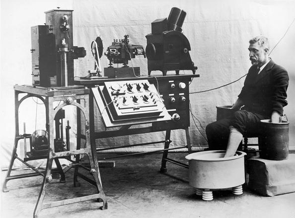 Equipment「Electrocardiograph」:写真・画像(14)[壁紙.com]
