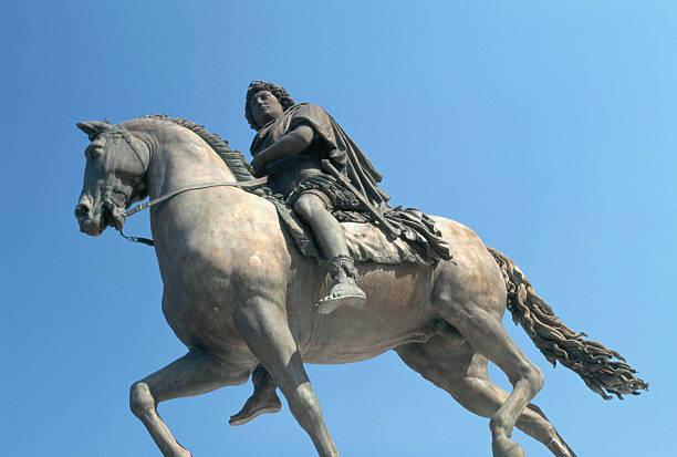 Equestrian Statue of Louis XIV:スマホ壁紙(壁紙.com)