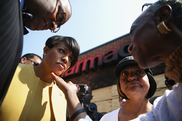 Silver Spring「Local Leaders Address Residents On Streets Of Baltimore In Wake Of Major Unrest」:写真・画像(19)[壁紙.com]