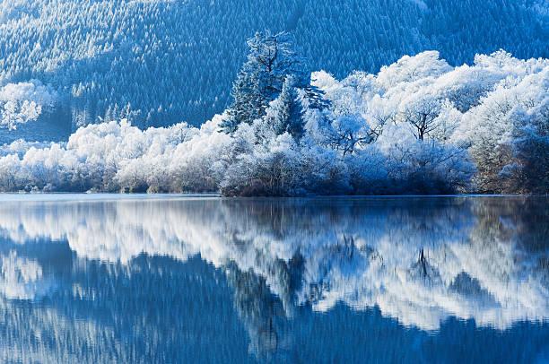 冬の反射:スマホ壁紙(壁紙.com)