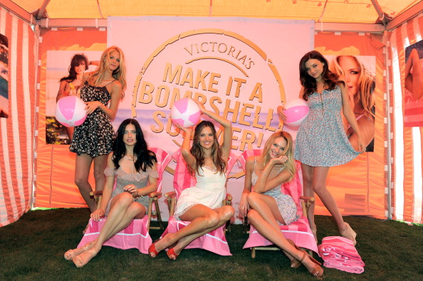 Erin Heatherton「Victoria's Secret Bombshells Kick Off The Bombshell Summer Tour At The Grove In Los Angeles」:写真・画像(18)[壁紙.com]