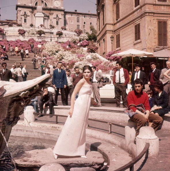 Tuscany「Evening Dress」:写真・画像(6)[壁紙.com]