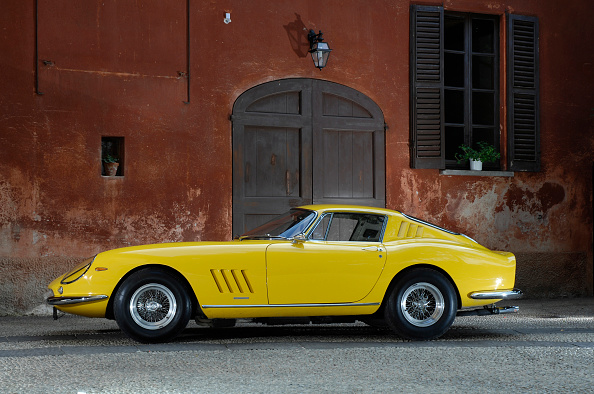Ferrari「1966 Ferrari 275 GTB4」:写真・画像(1)[壁紙.com]