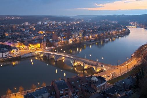 Belgium「The stunning Namur from an aerial view at night time」:スマホ壁紙(19)