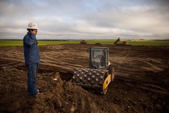 Canola「Oil Boom Shifts The Landscape Of Rural North Dakota」:写真・画像(8)[壁紙.com]