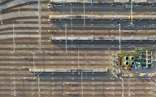 Queensland「Train with Railroad Tracks, Aerial Viewpoint, Brisbane, Australia」:スマホ壁紙(1)