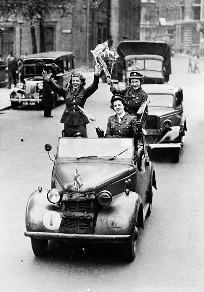 Women's Forces「VE Day Drive」:写真・画像(12)[壁紙.com]