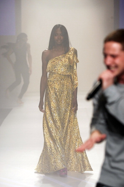 Stage - Performance Space「Code Purple - Runway - Fall 2012 Mercedes-Benz Fashion Week」:写真・画像(8)[壁紙.com]