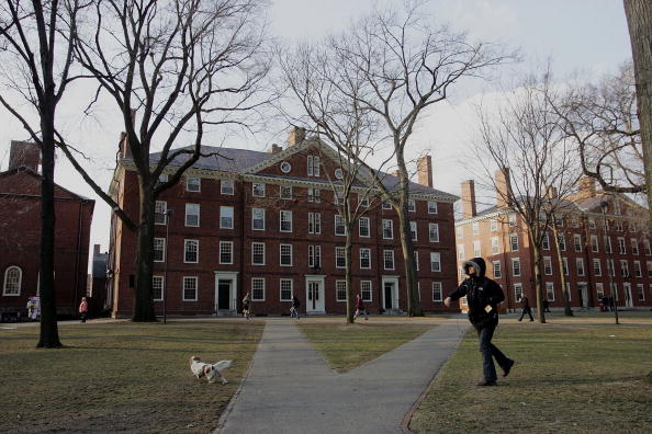 Campus「Summers To Step Down As Harvard President」:写真・画像(1)[壁紙.com]