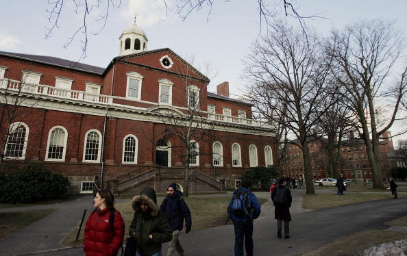 Campus「Summers To Step Down As Harvard President」:写真・画像(12)[壁紙.com]
