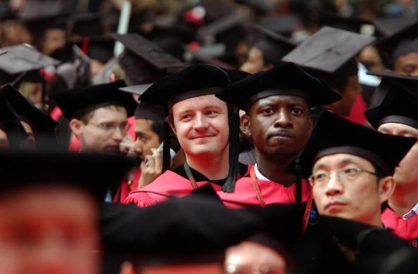 Beginnings「Bill Gates Receives Honorary Degree From Harvard」:写真・画像(19)[壁紙.com]