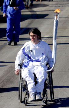 Relay「Columbine Principal And Student Carry Olympic Flame」:写真・画像(1)[壁紙.com]