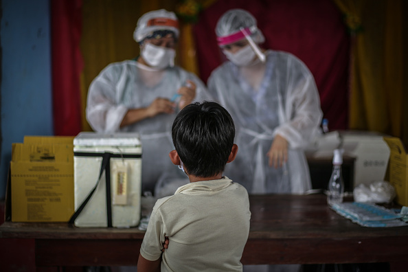 Child「Coronavirus Pandemic Overwhelms Brazilian City Of Manaus」:写真・画像(11)[壁紙.com]