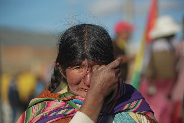 Concepts「Supporters of Evo Morales Block An Oil Refinery To Protest Against Newly Interim President Of Bolivia」:写真・画像(6)[壁紙.com]