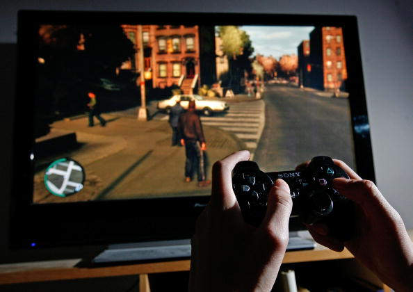 Video Game「Player Tries To Master The Newly Released Grand Theft Auto IV」:写真・画像(0)[壁紙.com]