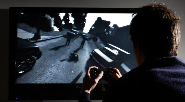 Video Game「Player Tries To Master The Newly Released Grand Theft Auto IV」:写真・画像(5)[壁紙.com]