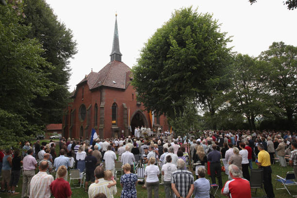 Pope Benedict To Visit Etzelsbach Chapel:ニュース(壁紙.com)