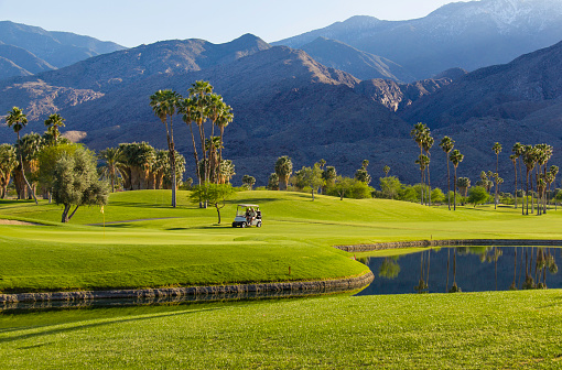 Leisure Activity「Golf course in Palm Springs, California (P)」:スマホ壁紙(10)