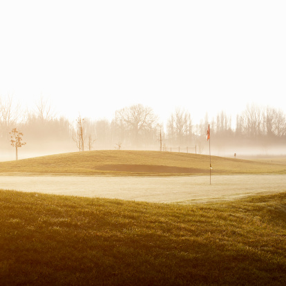 Sports Flag「Golf Course in the foggy morning.」:スマホ壁紙(2)