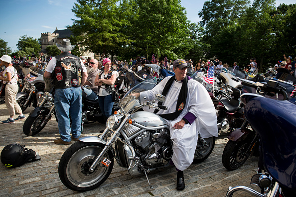 US Memorial Day「Rolling Thunder Begins Memorial Weekend With The Blessing Of The Bikes」:写真・画像(17)[壁紙.com]