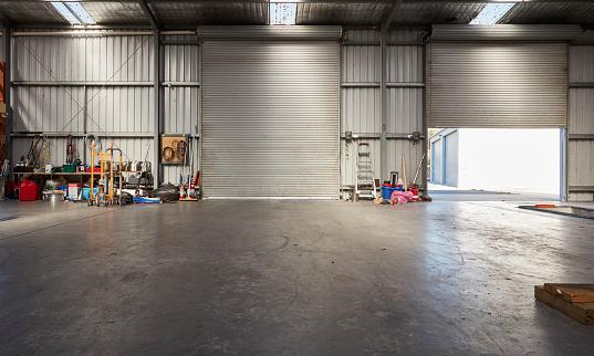 Garage「Empty Garage」:スマホ壁紙(1)