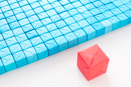 Paper Craft「Big red cube in front of blue ones」:スマホ壁紙(1)