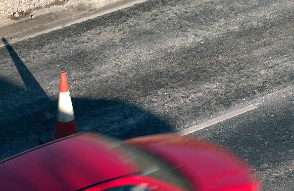 Cone Shape「Red cones on a motorway」:写真・画像(3)[壁紙.com]