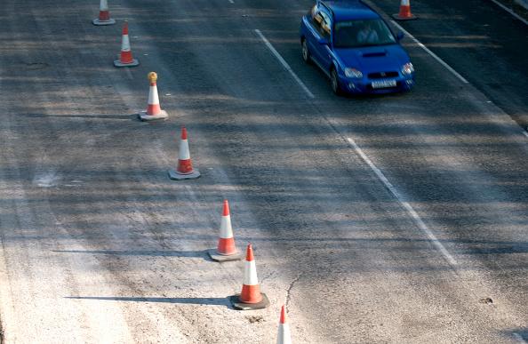 Cone Shape「Red cones on a motorway」:写真・画像(4)[壁紙.com]