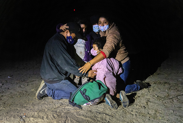 Human Role「Migrants Cross Into Texas From Mexico」:写真・画像(17)[壁紙.com]