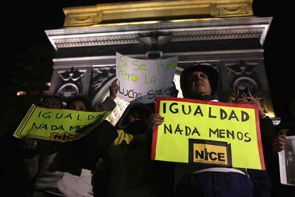 Strategy「New York Immigrant Groups Rally To Celebrate Obama Announcement On Immigration」:写真・画像(15)[壁紙.com]