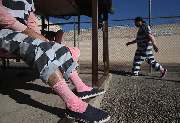 Arizona「Maricopa County Tent City Jail Houses Undocumented Immigrants Convicted of Crimes」:写真・画像(3)[壁紙.com]