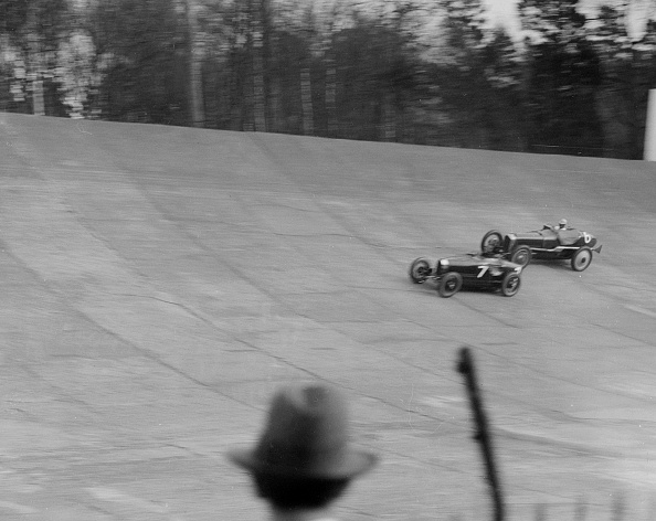 Sports Race「Bugatti Type 35 of EM Thomas and Ballot of Jack Dunfee racing at a BARC meeting, Brooklands, 1930」:写真・画像(17)[壁紙.com]