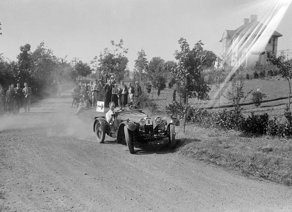 Dust「Bugatti Type 37, Bugatti Owners Club Hill Climb, Chalfont St Peter, Buckinghamshire, 1935」:写真・画像(9)[壁紙.com]
