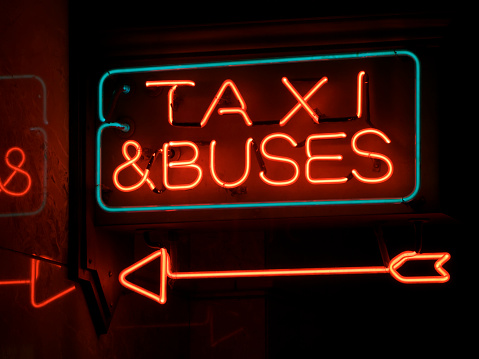 Bus「Bus and Taxi Red Neon Sign with Arrow」:スマホ壁紙(5)