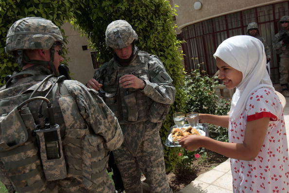 Emotional Stress「American Troops Patrol in Southern Baghdad」:写真・画像(1)[壁紙.com]