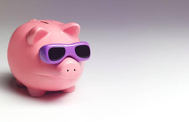 Vacation piggy bank:スマホ壁紙(壁紙.com)
