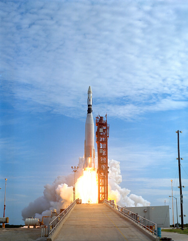 Rocket「Atlas Agena target vehicle liftoff for Gemini 11, Cape Canaveral, Florida.」:スマホ壁紙(16)