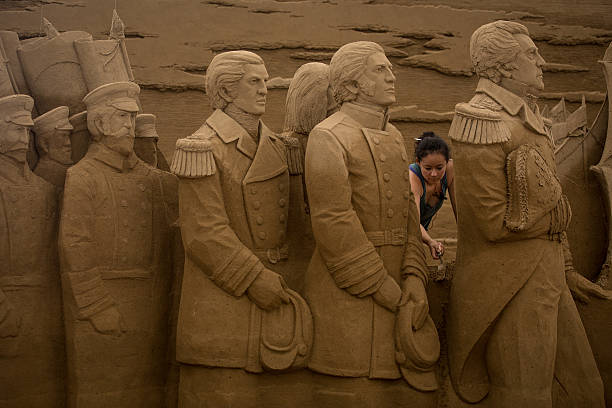 Artists Work On Sand Art Ahead Of 'Culture City of East Asia 2014' Exhibition:ニュース(壁紙.com)