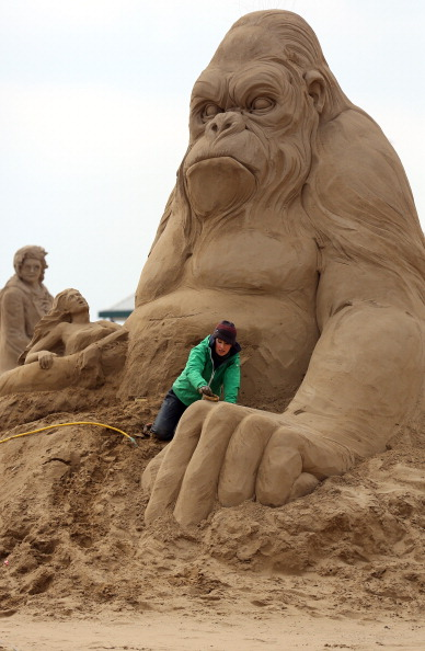 Weston-super-Mare「Sculptors Place The Finishing Touches To Their Hollywood Themed Sand Sculptures」:写真・画像(7)[壁紙.com]