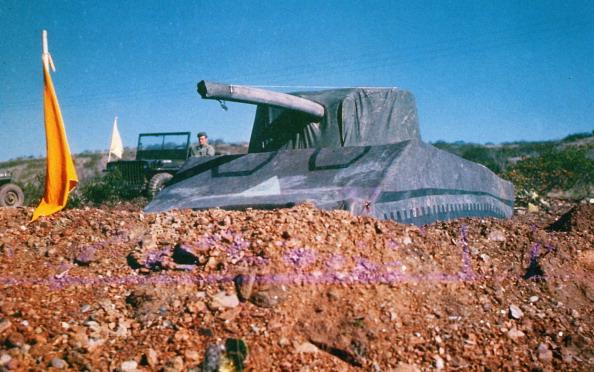 World War II「Dummy Tank」:写真・画像(1)[壁紙.com]