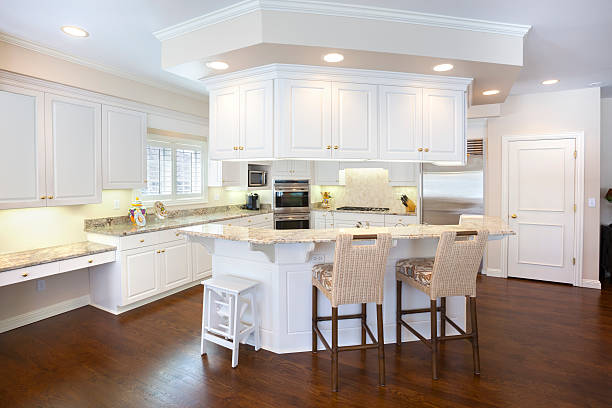 Bright Spacious Kitchen With Island, Marble Counter:スマホ壁紙(壁紙.com)