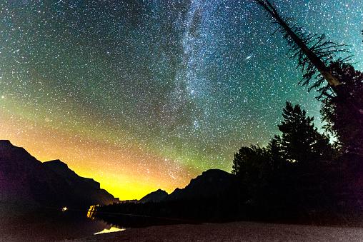 McDonald Lake「Stars in Night Sky Landscape Montana Glacier National Park USA」:スマホ壁紙(11)