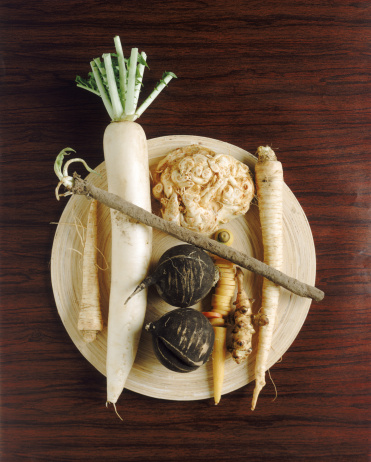 Celeriac「Parsnip, radish with yam on plate, directly above」:スマホ壁紙(18)