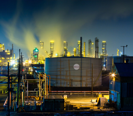 Industrial Building「Colorful Refinery Complex at Night」:スマホ壁紙(15)