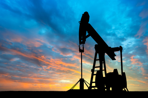 Oil Industry「Dawn over petroleum pump」:スマホ壁紙(17)