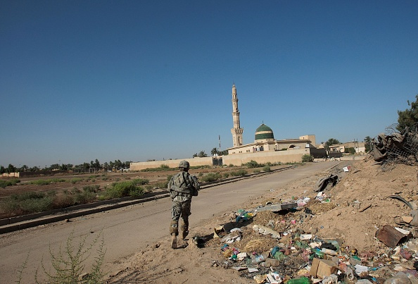 "Baghdad「U.S. Army Works With Former Insurgent ""Freedom Fighters"" In Baghdad」:写真・画像(1)[壁紙.com]"