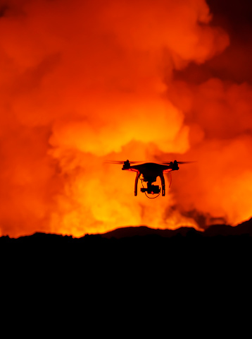 Bardarbunga Volcano「Radio controlled Drone with Camera. Eruption at Holuhraun Fissure, Bardarbunga Volcano, Iceland」:スマホ壁紙(17)